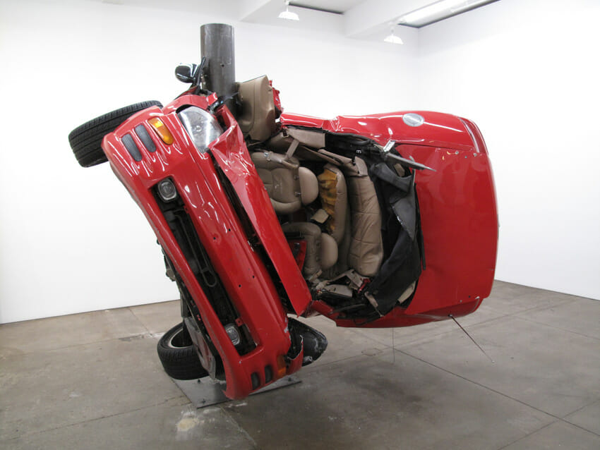 "(Artysta: Dirk Skreber ""Car Crash Exhibition"")"
