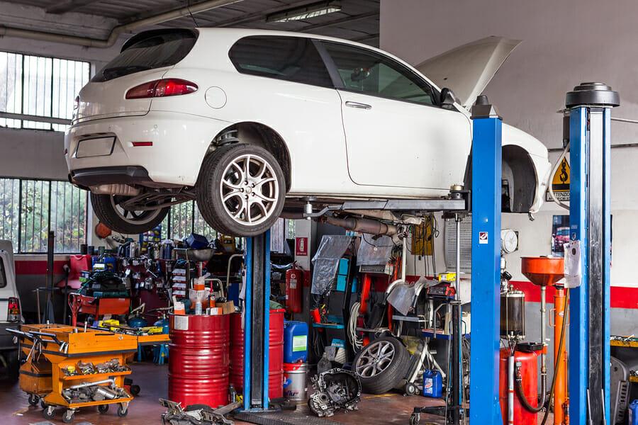 The Car workshop for repairs and setups